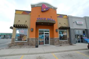 taco-bell-bp-w-depere-front
